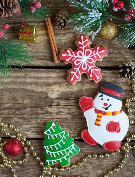 Новогодний набор: снеговик, елочка и снежинка